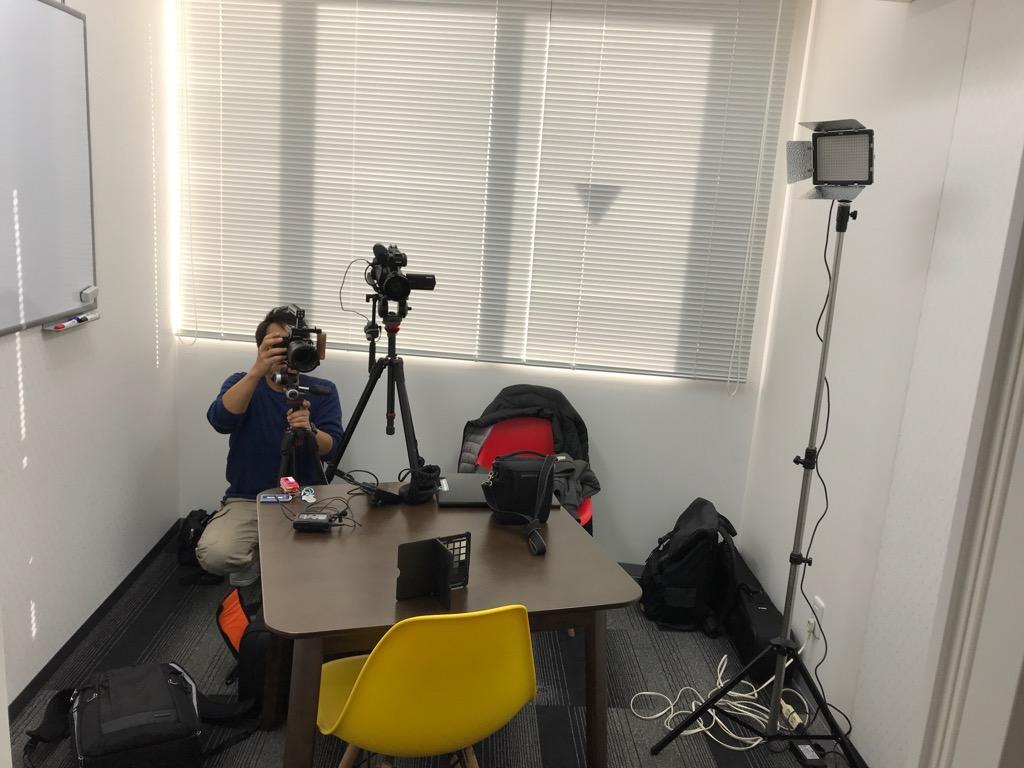 英会話教室のインタビュー撮影風景