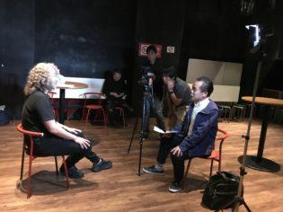 ライブハウスでのインタビュー撮影